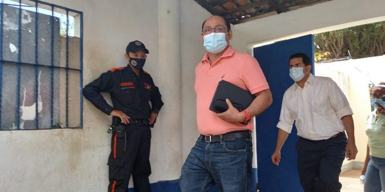 José Adán Silva: «Los periodistas no estamos para lavar dinero, quienes lavan dinero son los delincuentes que reciben millones». Foto: N. Miranda/Artículo 66