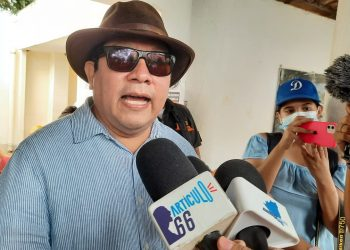 Miguel Mora, exdirector de 100% Noticias, detenido por la Policía. Foto: Artículo 66