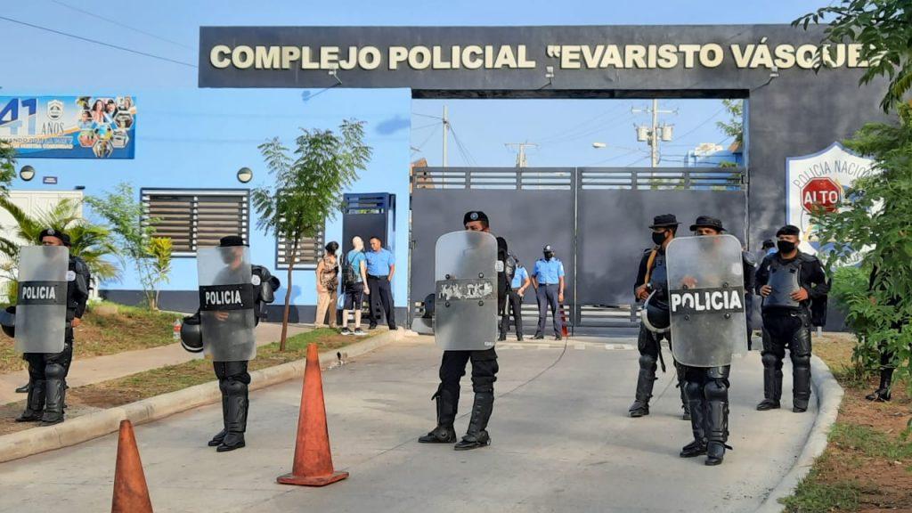 «No tenemos garantías que nuestros presos están bien», aseguran familiares de los nuevos presos políticos. Foto: Artículo 66 / Noel Miranda