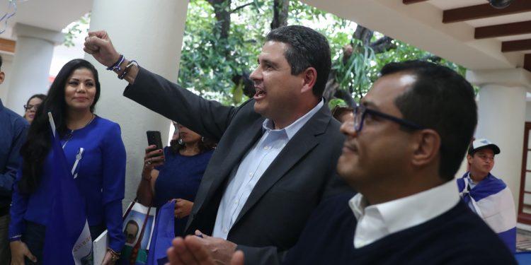 Juan Sebastián Chamorro y Félix Maradiaga, precandidatos presidenciales encarcelados por el régimen de Ortega. Foto: Artículo 66/EFE
