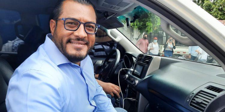 Dictadura se lleva a la cárcel al precandidato presidencial Félix Maradiaga después que salió de la Fiscalía. Foto: N. Miranda/Artículo 66.