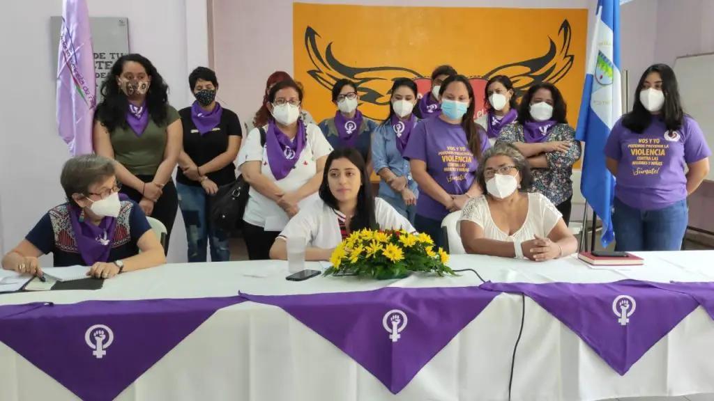 María Eugenia denuncia publicamente ser agredida sexual,ente por Guillermo Incer. Foto: Cynthia Torrez