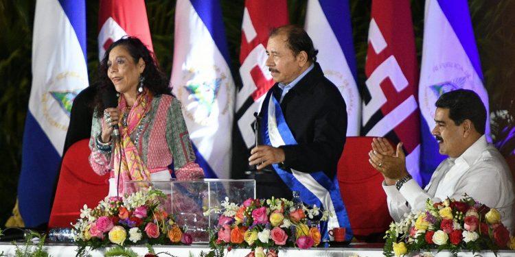 Toma de posesión de Daniel Ortega, en la que participó Nicolás Maduro, presidente de Venezuela | Redacción Abierta