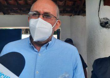 Fabián Medina al salir de la Fiscalía: «Hay un intento de convertir el ejercicio del periodismo en un delito». Foto: Artículo 66/ Noel Miranda.