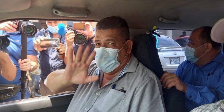Fiscalía alega que Mauricio Madrigal de Canal 10 fue citado por caso contra Fundación Violeta Barrios. Foto: Artículo 66/ Noel Miranda.