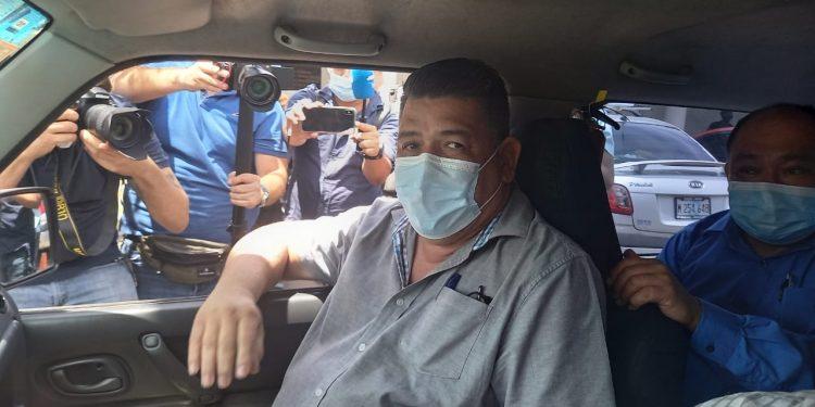 Fiscalía cuestiona a jefe de prensa de Canal 10, Mauricio Madrigal, sobre «contenido periodístico». Foto: Artículo 66/ Noel Miranda.