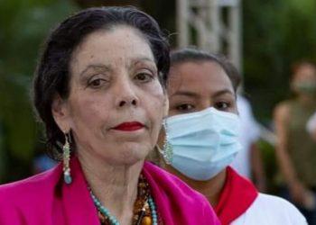 Rosario Murillo llama «lenguas fingidas» a periodistas independientes y celebra censura. Foto: Gobierno.
