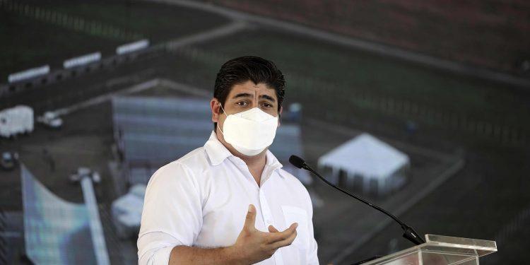 En la imagen, el presidente costarricense, Carlos Alvarado. EFE/Jeffrey Arguedas/Archivo