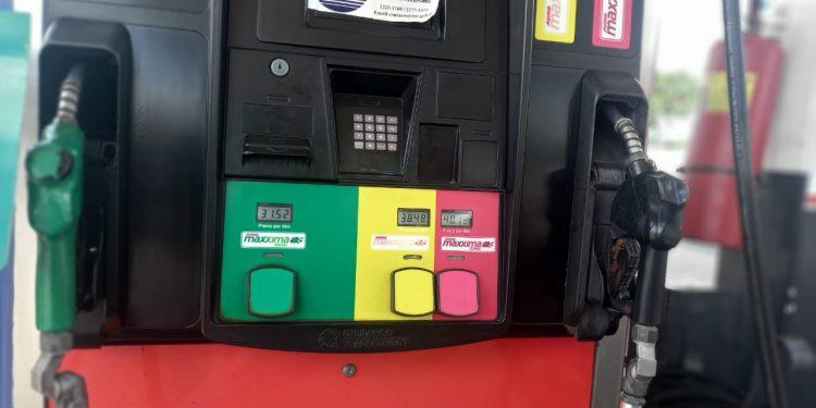 Combustible subirá de precio este primero de agosto, luego de una fugaz rebaja. Foto: Artículo 66 / Noel Miranda
