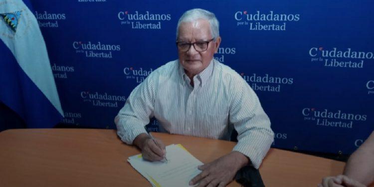 Luis Fley, del FDN renuncia a precandidatura presidencial porque no va a ser «cómplice de la dictadura». Foto: VosTv.