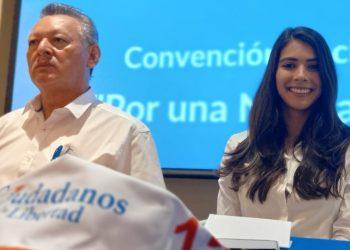Candidata a vicepresidencia Berenice Quezada: «aquí estoy, dando la cara por todas las personas que murieron en el 2018, por todos los jóvenes que están presos». Foto: N. Miranda/Artículo 66