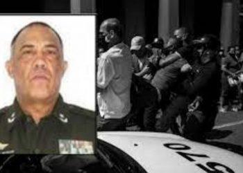 General Cubano se hace al lado del pueblo y renuncia a su cargo de viceministro del interior. Foto: Internet.. Foto: Internet.