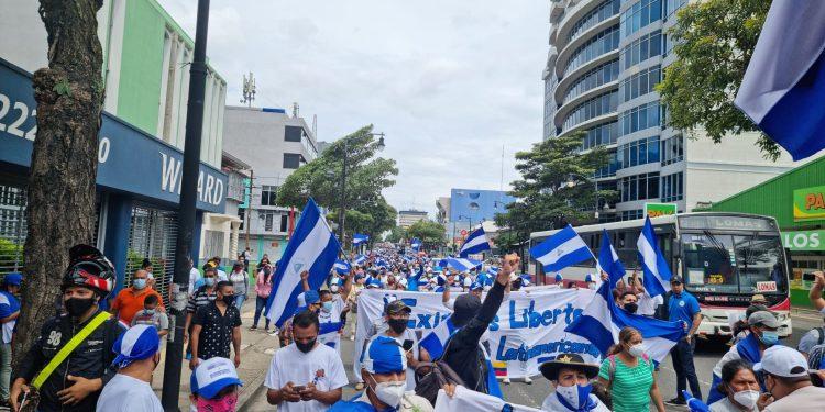 Exiliados en Costa Rica convocan a marcha exigiendo la salida de Daniel Ortega. Foto: Artículo 66 /Costa Rica