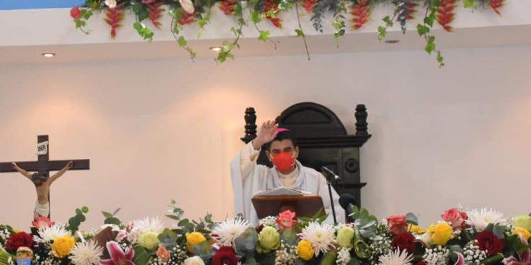 Monseñor Álvarez: «Jesús no permanece indiferente ante los hombres y mujeres explotados por políticos inescrupulosos» Foto: Artículo 66 / Diócesis Media