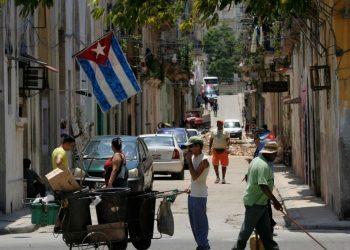 Régimen cubano empieza a ceder ante presión popular y destraba el «autobloqueo» a importación de alimentos, medicina. Foto: Internet.