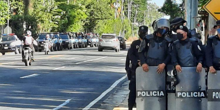 Activistas europeos exigen a la dictadura orteguista el cese de la represión. Foto: Artículo 66 / Noel Miranda