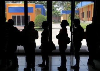 """presidente de El Salvador, Nayib Bukele, quien propuso que """"este incremento deberá ser efectivo a partir de agosto"""". EFE/Rodrigo Sura/Archivo"""