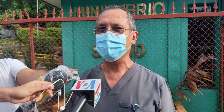 Minsa le cita la Ley Mordaza al doctor Carlos Quant, incómoda con datos sobre el COVID-19. Foto: Artículo 66/ Noel Miranda.