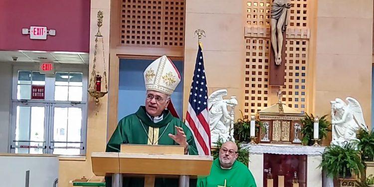 Monseñor Báez: «La ambición de poder es un principio de destrucción». Foto: Facebook