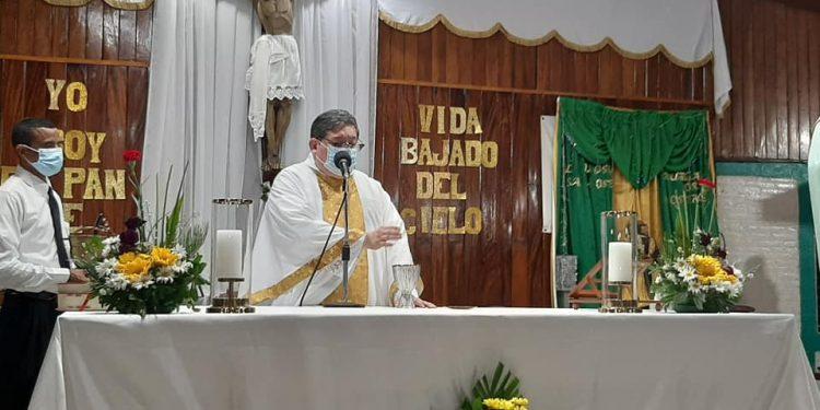 Parroquia María Inmaculada recauda fondos para solventar los gastos hospitalarios del Padre Uriel Sandí. Foto: Internet
