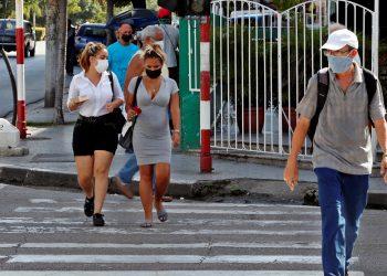 Cuba registra un nuevo aumento de casos de covid-19 con 8.394 en un día. Foto: EFE/Ernesto Mastrascusa/Archivo