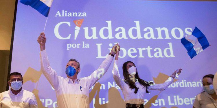 Alianza CxL en sesión de emergencia. Debe decidir si reemplaza a Berenice Quezada o se retiran de proceso electoral. Foto: Portal Web ACxL.