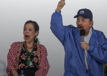 Gioconda Belli: los dictadores Ortega y Murillo son «colonizadores criollos» que avergüenzan a Nicaragua. Foto: Internet.
