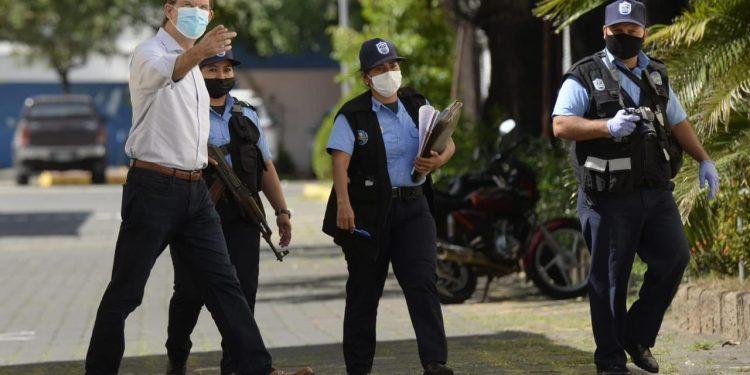 Juan Lorenzo Holmann, directivo de La Prensa, trasladado a El Chipote. Foto: La Prensa.