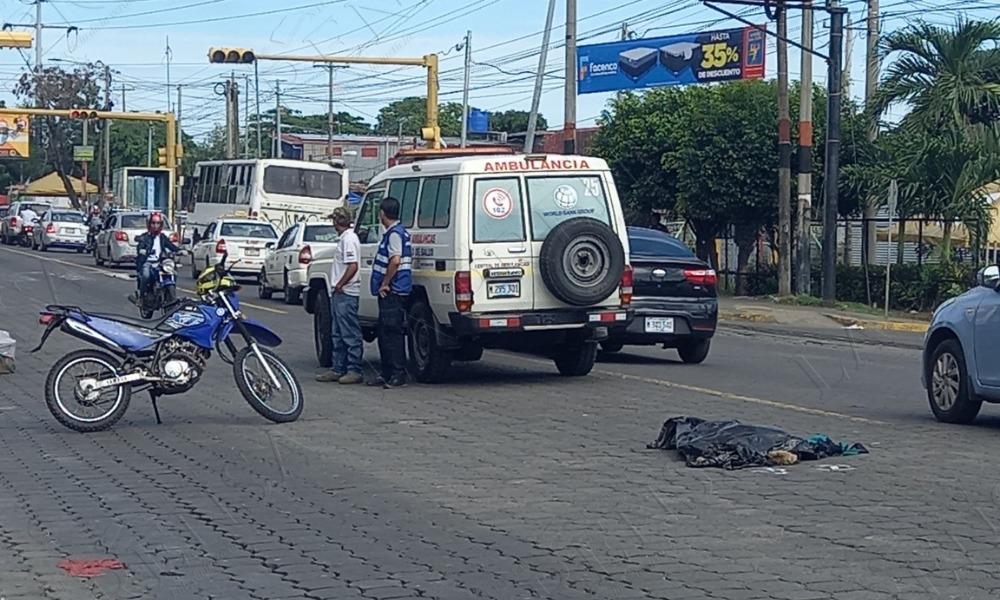 Niño cae en un agujero del piso de una ruta 117 en Managua y muerte tras ser arrollado por las llantas de la misma unidad . Foto: Tomada de internet