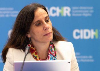 Presidenta de la CIDH, Antonia Urrejola, se solidariza con La Prensa y denuncia «barbarie» en Nicaragua. Foto: Internet.