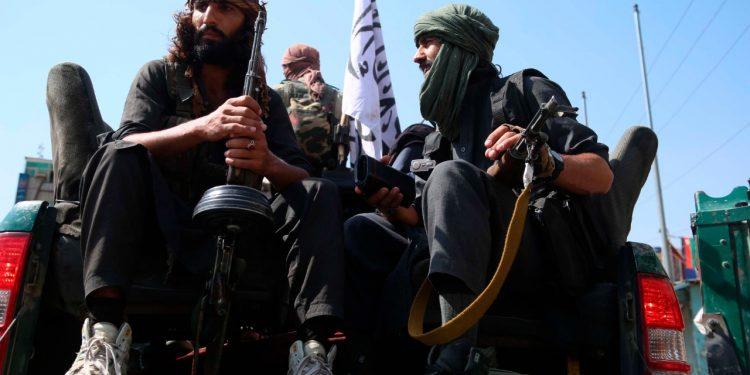 Talibanes van por la cabeza de quienes trabajaron con EE.UU. y la OTAN. Foto: EFE.