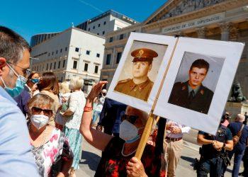 Españoles siguen peleando por el derecho a la verdad en crímenes de ETA. Foto: EFE.