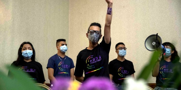 Jóvenes buscan diálogo entre opositores de Nicaragua para enfrentar a Ortega. Foto: EFE.