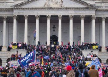 Policía que le disparó a mujer en el Capitolio de EEUU dice que salvó vidas. Foto: EFE.
