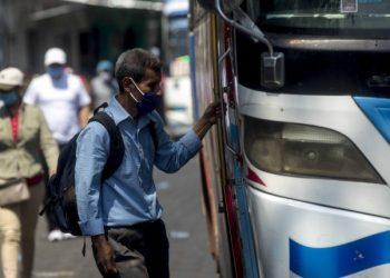 CENIDH alerta a los nicaragüenses por rebrote de COVID-19 a nivel nacional. Foto: EFE/Jorge Torres