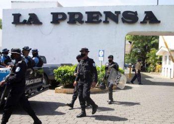 Diario La Prensa despide a trabajadores y periodistas después de un mes de ocupación policial