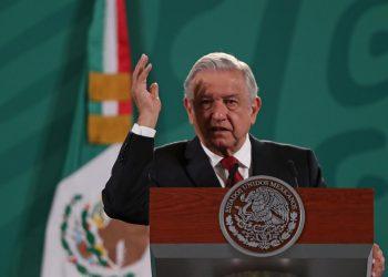 Fotografía de archivo del presidente de México, Andrés Manuel López Obrador, quien habla durante su conferencia matutina en Palacio Nacional en la Ciudad de México. EFE/Mario Guzmán