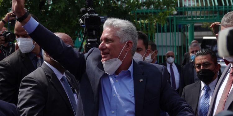 Enfrentamientos en México por la visita del presidente cubano Díaz-Canel