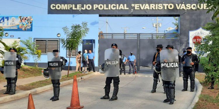 Presos políticos electorales reciben segunda visita en «El Chipote». Foto: Noel Miranda / Artículo 66.