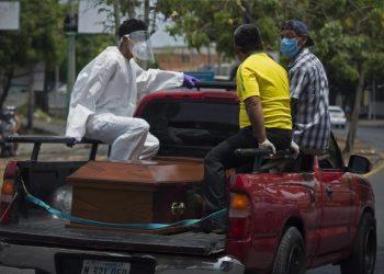 Doctor Leonel Argüello: «En Nicaragua tenemos un desastre sanitario, económico y social con la COVID-19». Foto: Artículo 66/EFE