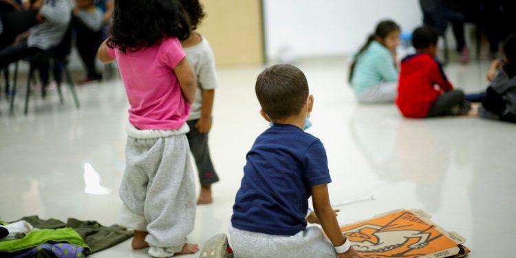 EEUU aceptará peticiones para programa de acogida de menores centroamericanos