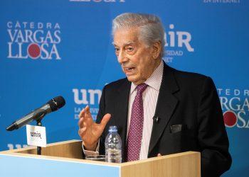 Mario Vargas Llosa revela que un abuso en su infancia le apartó de la religión. Foto: Artículo 66 / EFE