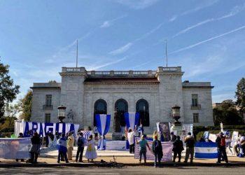 Nicaragüenses en EE.UU. solicitan a la OEA declare «ilegítimas» las elecciones. Foto: Archivo.