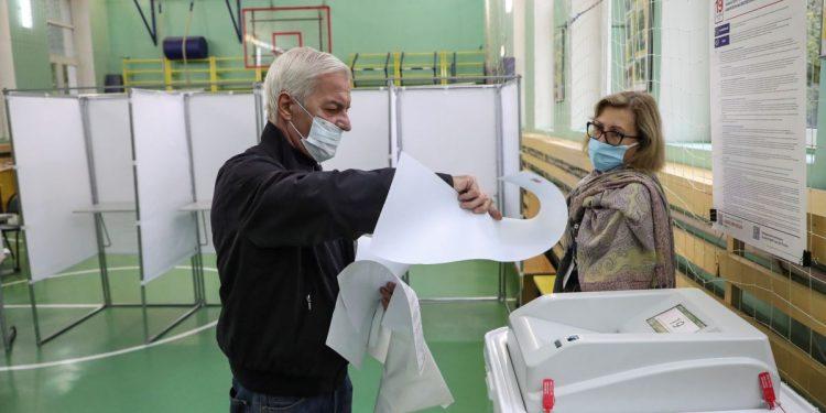 Putin y los rusos empiezan a votar sin oposición en elecciones legislativas