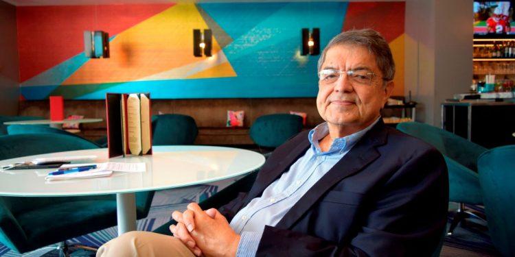 Medalla de Oro para el escritor Sergio Ramírez Mercado se entregará el 25 de octubre. Foto: Artículo 66 / EFE