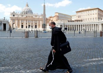 El Vaticano no pagará a empleados que no estén vacunados