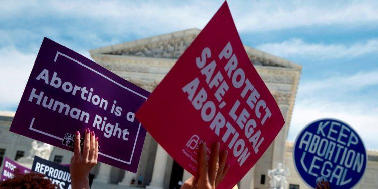 """Médicos en EE.UU. denuncian que las leyes antiaborto """"ponen en peligro"""" a las mujeres"""