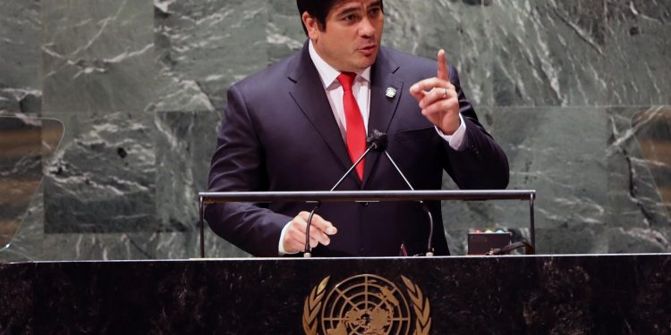 Presidente de Costa Rica, Carlos Alvarado. Foto: EFE/EPA/SPENCER PLATT / POOL