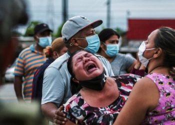 Madre espera que le entreguen la cabeza de su hijo asesinado en prisión