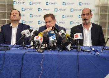 Álvaro Vargas y Michael Healy detenidos por la dictadura. Foto: Cortesía